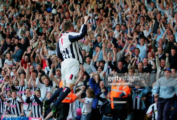 Geoff Horsfield of WBA celebrates scoring a goal during the Barclays Premiership match between West Bromwich Albion and Portsmouth at The Hawthorns...