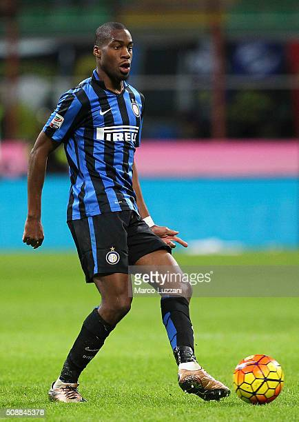 Geoffrey Kondogbia of FC Internazionale Milano in action during the Serie A match between FC Internazionale Milano and AC Chievo Verona at Stadio...