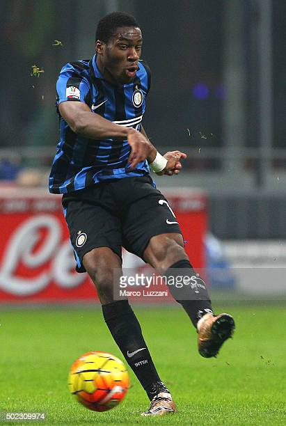Geoffrey Kondogbia of FC Internazionale Milano kicks a ball during the TIM Cup match between FC Internazionale Milano and Cagliari Calcio at Stadio...