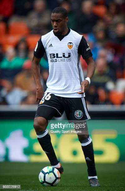 Geoffrey Kondogbia of Valencia in action during the La Liga match between Valencia and Deportivo Alaves at Mestalla stadium on March 17 2018 in...