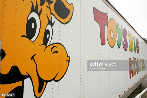 Geoffrey the Giraffe is seen on the side of a Toys R Us truck March 17 2005 in Colma California Toys R Us Inc the second largest US toy retailer...