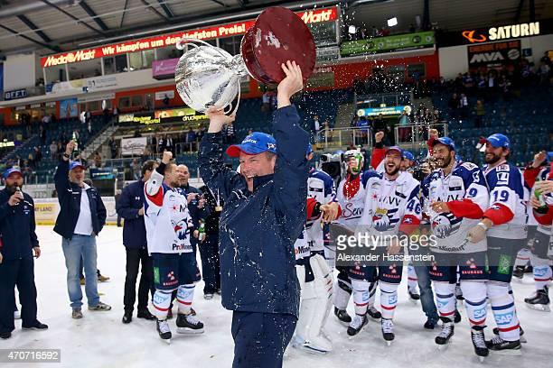 Geoffrey Ward head coach of Mannheim celebrates winning the German Championship title after winning the DEL Playoffs Final Game 6 between ERC...