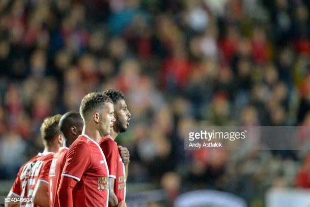 Geoffry Hairemans from Antwerp lines up with his Antwerp team mates for a Anderlecht free kick during the Jupiler League match between Royal Antwerp...