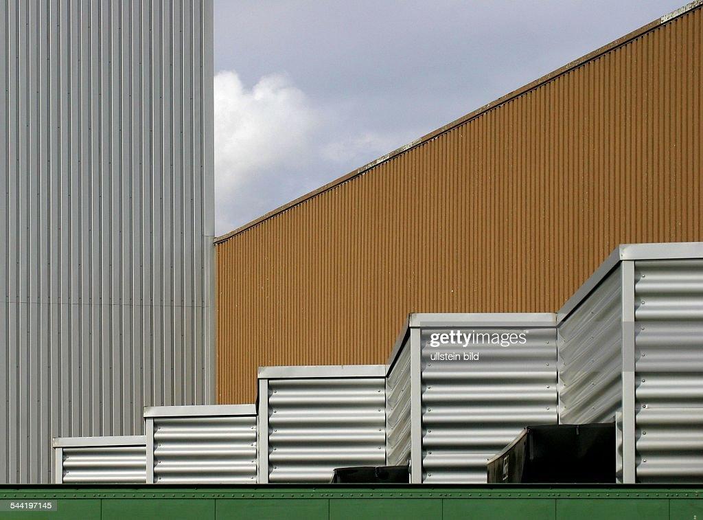 Moderne Fassaden geometrische architektur vertikal und horizontale profil fassaden