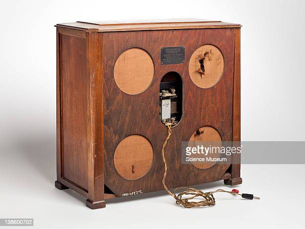 Geophone BC3240 radio with separate loudspeaker restored 1966Pt1 5valve receiver in wooden case with small central tuning window Pt2 Inductor type...