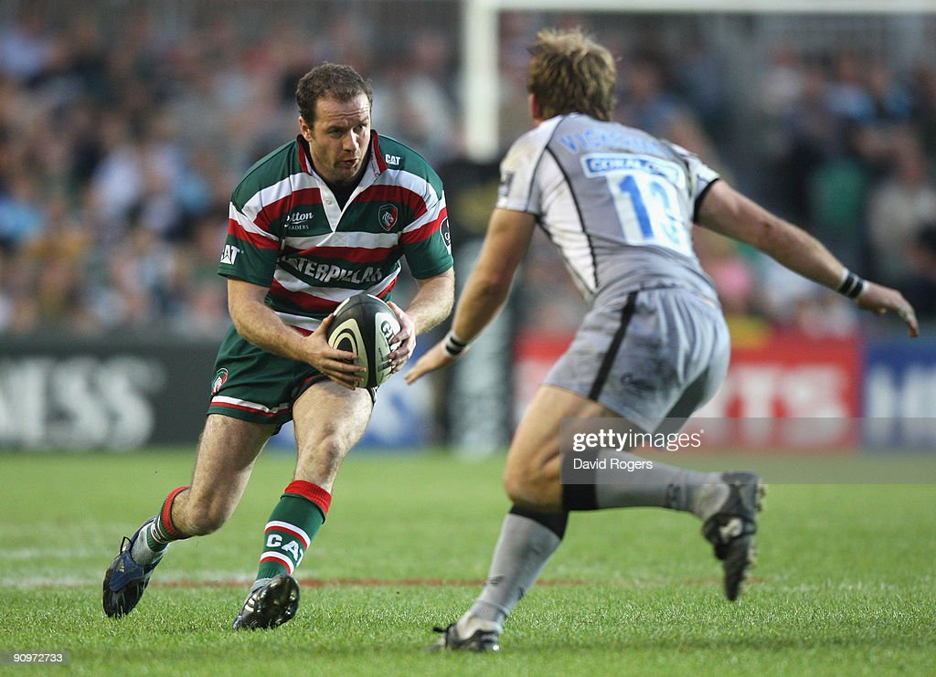 Geordan Murphy of Leicester takes on Rob Vickerman during the Guinness Premiership match between Leicester Tigers and Newcastle Falcons at Welford Road on September 19, 2009 in Leicester, England.