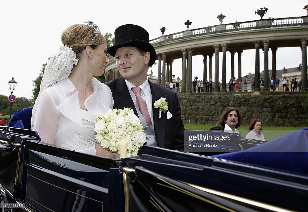 Georg Friedrich Ferdinand Prince Of Prussia And Princess Sophie Of Isenburg Wedding : Foto di attualità