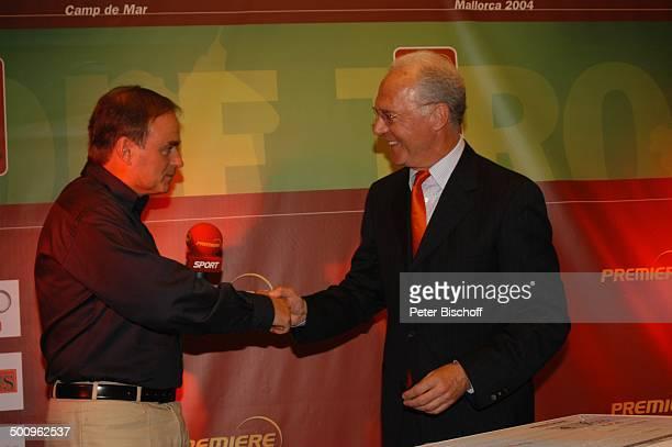 Georg Kofler Franz Beckenbauer 'GalaAbend' Hotel 'Dorint' Camp de Mar/Mallorca/Spanien Abendgarderobe Mikrofon Hände schütteln Promi Promis...
