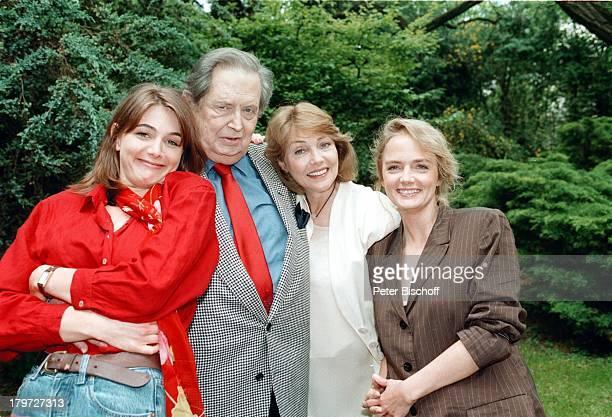 Georg Marischka, Tochter;Nicole, Ehefrau Ingeborg Schöner und;Tochter Juliette, Garten,