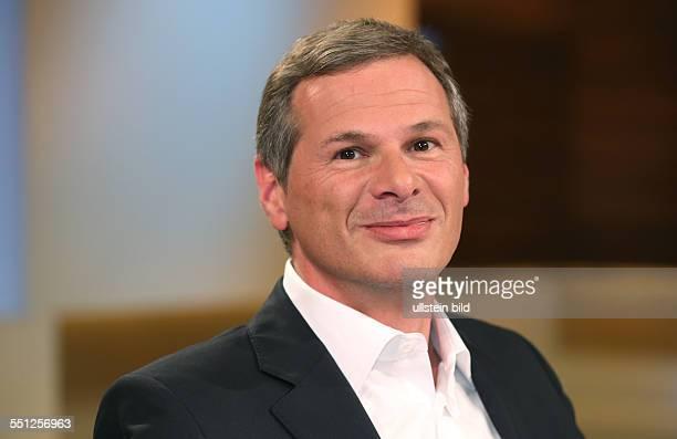 """Georg Mascolo in der ARD-Talkshow """"ANNE WILL"""" am in Berlin Thema der Sendung: Vertrauen ist gut, Spionieren ist besser - Geht so..."""