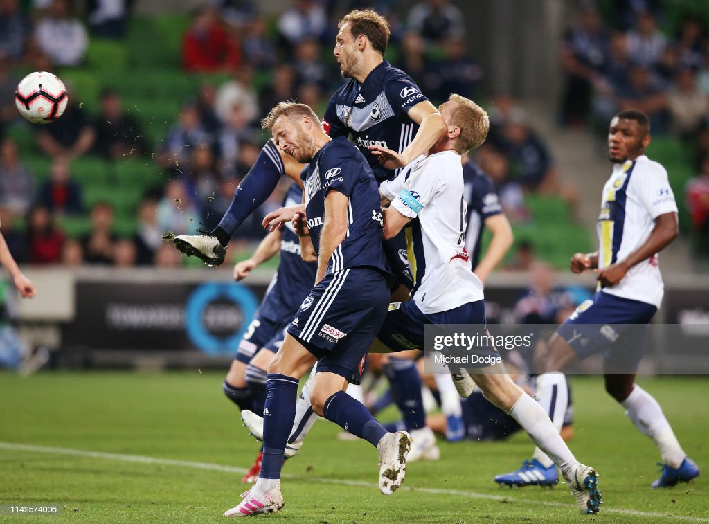A-League Rd 25 - Melbourne v Central Coast : News Photo