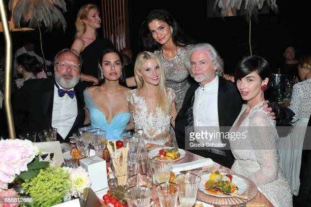 Georg Seitz Silja Litvin Stefanie Seiffert Shermine Shahrivar amfAR vicechairman Hermann Buehlbecker and Paz Vega attend the amfAR Gala Cannes 2017...