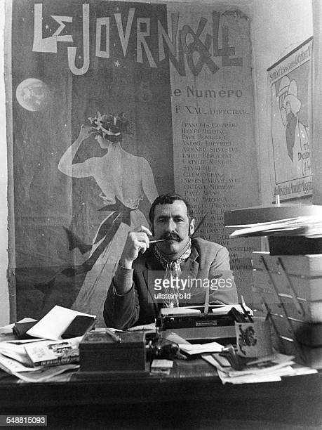 Georg Stefan Troller * Journalist Author USA in his office in Paris 1974