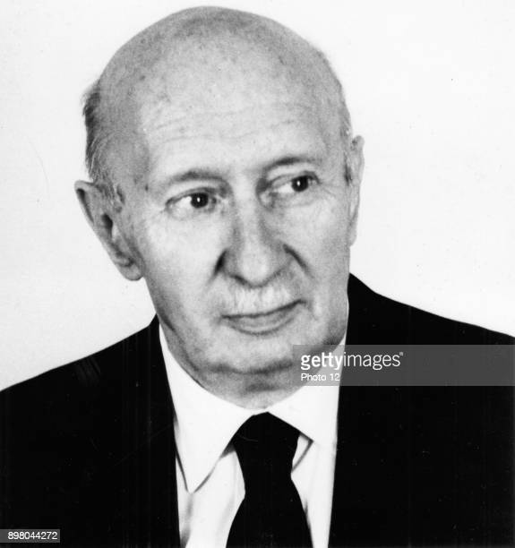Georg von Bekesy Hungarianborn American physiologist Nobel prize for physiology or medicine 1961 function of inner ear Photograph