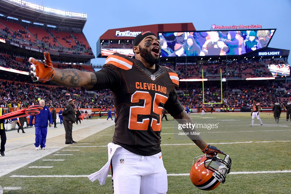 George Atkinson #25 of the Cleveland Browns celebrates after defeating the San Diego Chargers 20-17 at FirstEnergy Stadium on December 24, 2016 in Cleveland, Ohio.