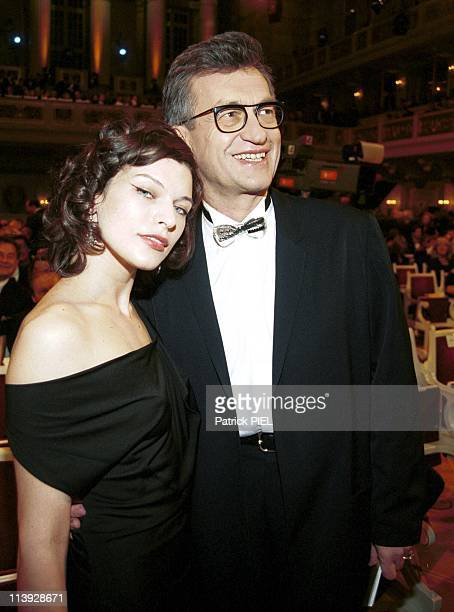 George Clooney And Sophie Marceau Receive The 2000 Golden Camera In Berlin Germany On February 08 2000Wim Wenders And Milla Jovovich