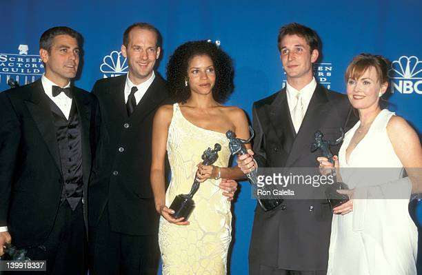 George Clooney Anthony Edwards Gloria Reuben Noah Wyle and Laura Innes at the 3rd Annual Screen Actors Guild Awards Shrine Exposition Center Los...