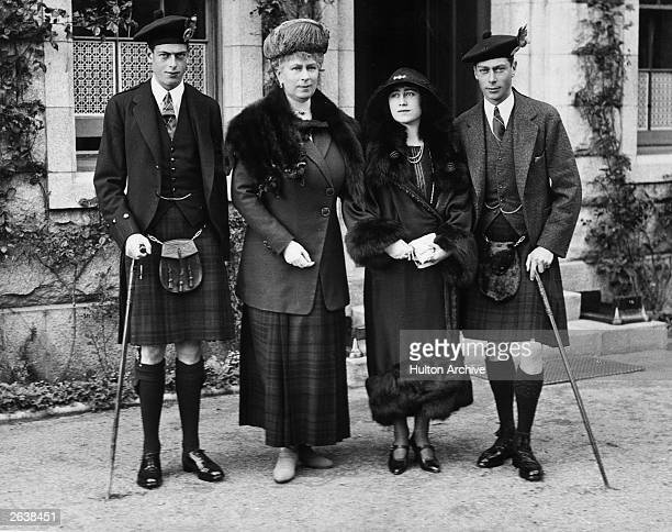 George Duke of Kent with his mother Queen Mary Elizabeth Duchess of York and George Duke of York at Balmoral Castle Scotland Prince Albert Queen...