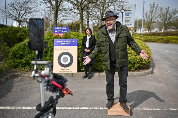 GBR: George Galloway Delivers Soap Box Speech Slamming Sturgeon