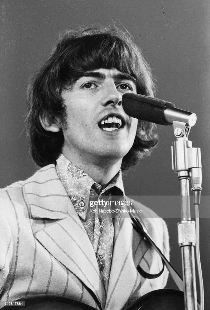 George Harrison Of The Beatles Live At Shea Stadium New York August 23