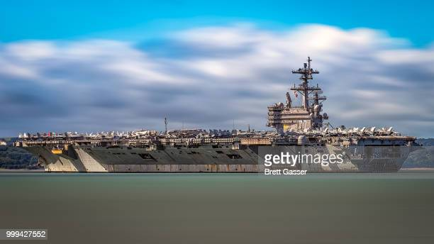 uss george h.w. bush - frigate stock photos and pictures