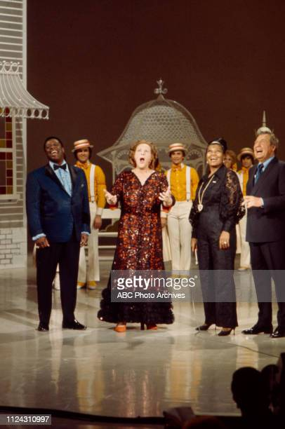 George Kirby Pearl Bailey Kate Smith Phil Harris cast performing on the Walt Disney Television via Getty Images series 'The Pearl Bailey Show'