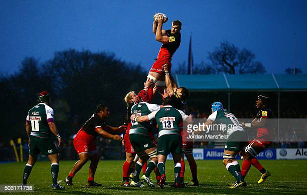 George Kruis of Saracens rises to claim the line out during the Aviva Premiership match between Saracens and Leicester Tigers at Allianz Park on...