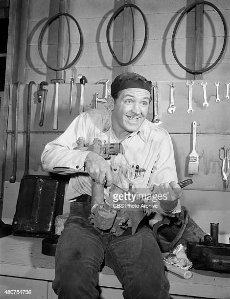SHOW George Lindsey as Goober in episode 'Goober Takes a Car Apart' Image dated November 16 1964