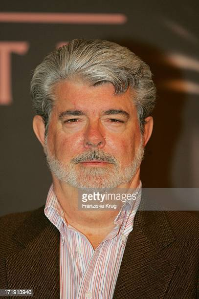 George Lucas Beim Photocall Zum Film Star Wars Episode 3 Die Rache Der Sith Im Marriott Hotel In Berlin Am 180505