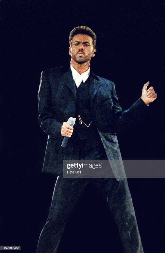 George Michael Performs At The Concert Of Hope in 1993 : News Photo