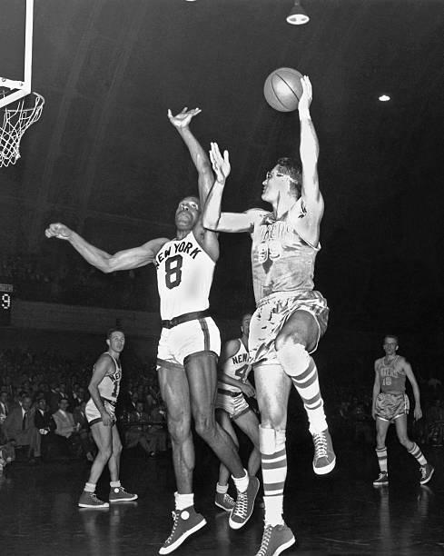 Minneapolis Lakers: George Mikan
