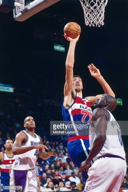 George Mursean of the Washington Bullets shoots the ball against the Sacramento Kings on January 25, 1997 at the US Air Arena in Landover, Maryland....