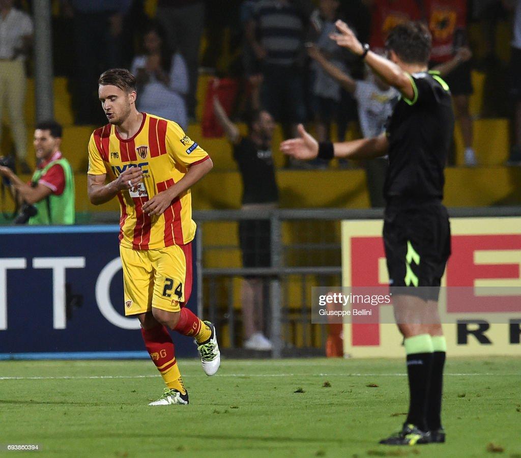 Benevento Calcio v Carpi FC - Serie B Play off Final : Foto di attualità