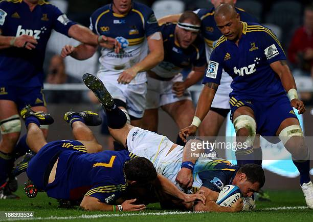 George Smith of the Brumbies scores a try during the round nine Super Rugby match between the Highlanders and the Brumbies at the Forsyth Barr...