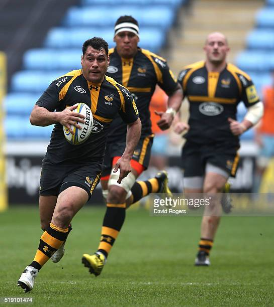George Smith of Wasps charges upfield during the Aviva Premiership match between Wasps and Northampton Saints at the Ricoh Arena on April 3 2016 in...