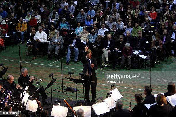 George Steel leading the Gotham City Orchestra and Vox Vocal Ensemble in allStravinsky program at Park Avenue Armory on Saturday night April 19 2008