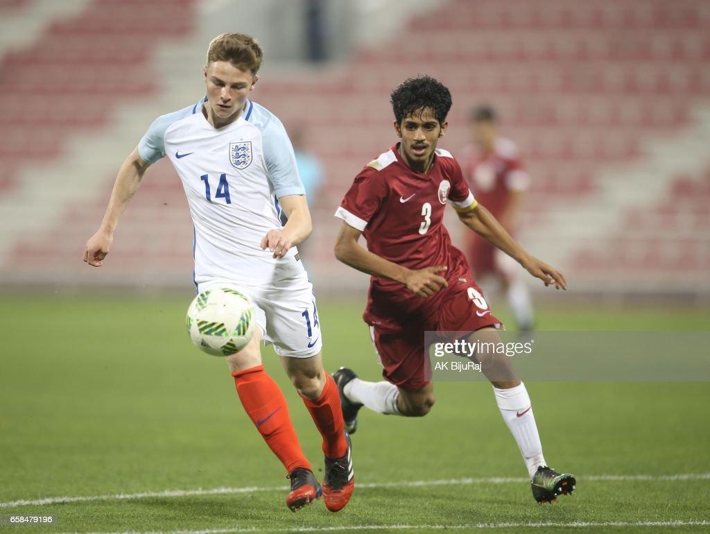 Qatar v England: U18 International Friendly : Fotografía de noticias