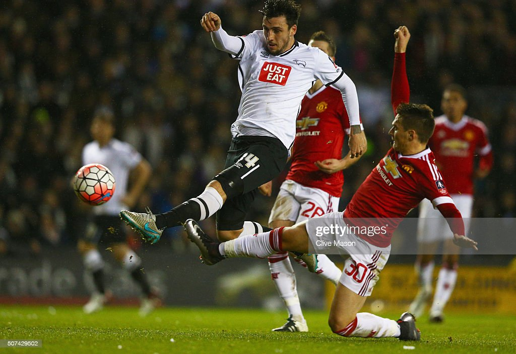 Derby County v Manchester United - The Emirates FA Cup Fourth Round : News Photo
