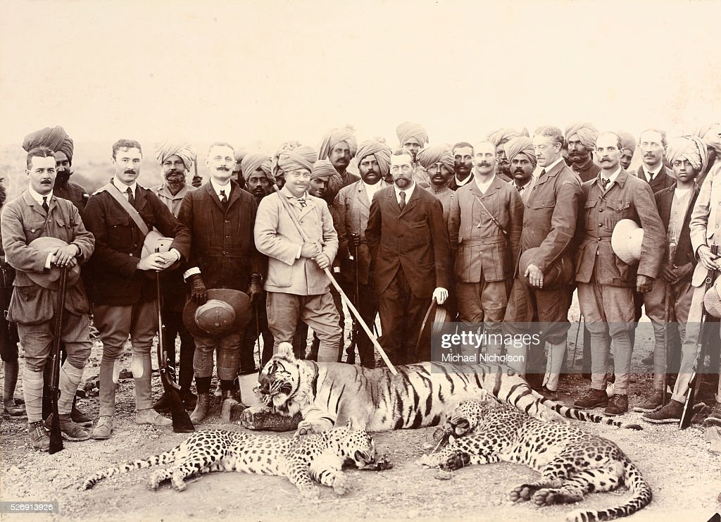 George V and the Maharajah of Gwalior Posing After Hunt : News Photo