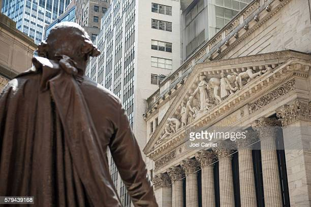 George Washington statue and New York Stock Exchange
