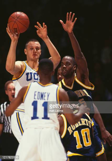 George Zidek, Center for the University of California, Los Angeles UCLA Bruins passes the ball during the NCAA Pac-10 Conference college basketball...