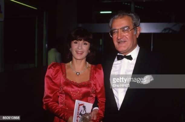 Georges Fillioud et Danièle Evenou à la 1ère du concert de Charles Aznavour à Paris le 30 septembre 1987 France