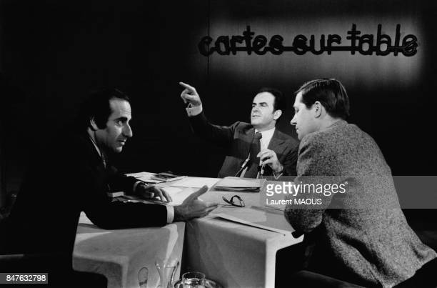 Georges Marchais invite de l'emission tele 'Cartes sur table' presentee par JeanPierre Elkabbach et Alain Duhamel le 1er fevrier 1982 a Paris France