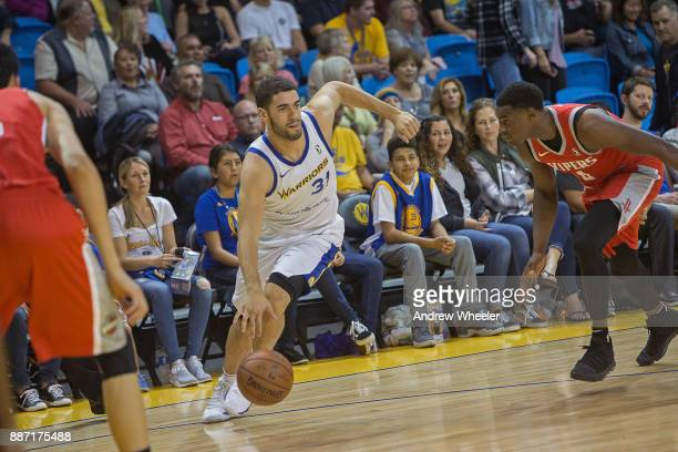Georges Niang of the Santa Cruz Warriors passes the ball during the NBA GLeague game against the Rio Grande Valley Vipers on November 24 2017 at...