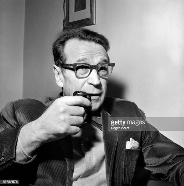 Georges Simenon , Belgian writer. Echandens , in December 1963. RV-727968.