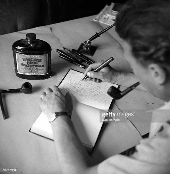 Georges Simenon , Belgian writer. Fontenay-le-Comte , castle of Terre-Neuve, 1942. RV-843888.