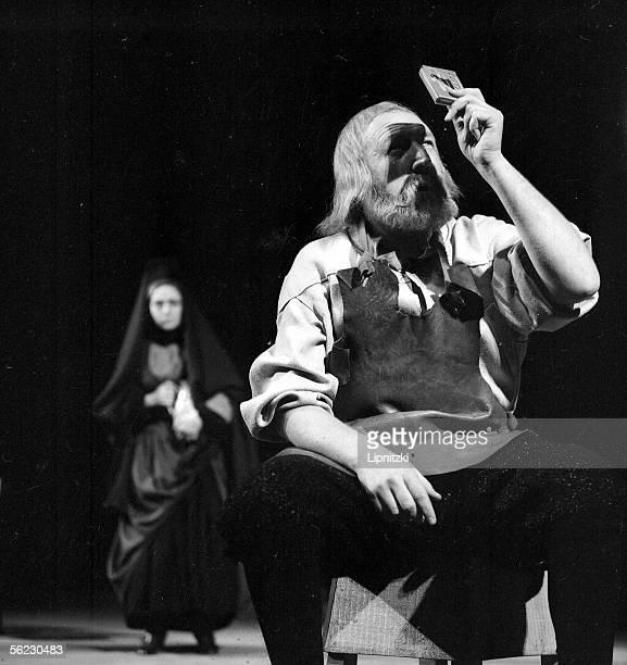Georges Wilson in Galileo of Bertolt Brecht Paris TNP January 1963 LIP160079005