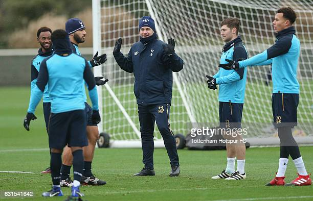Georges-Kévin N'Koudou, Cameron Carter-Vickers, manager Mauricio Pochettino, Ben Davies and Dele Alli of Tottenham during the Tottenham Hotspur...