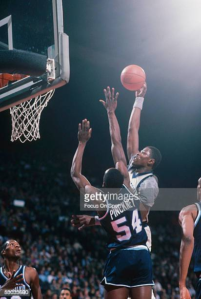 Georgetown Hoyas' Patrick Ewing jumps for a layup during a game