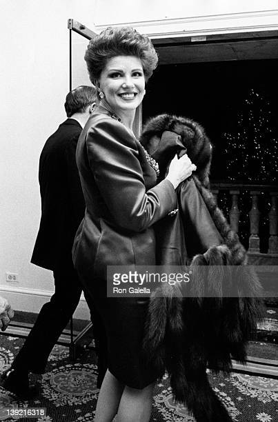 Georgette Mosbacher attends the premiere of Awakenings on December 17 1990 at Loew's Fine Arts Theater in New York City